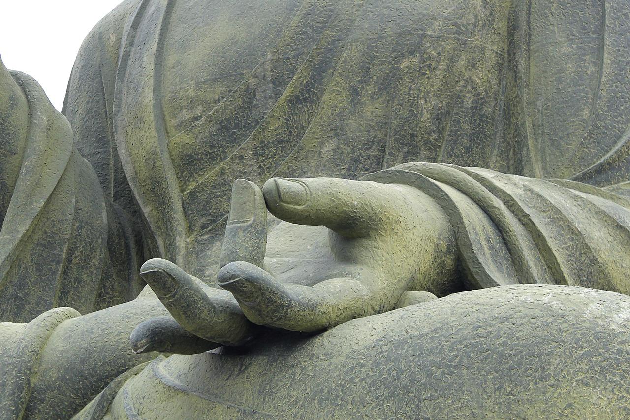 Meditam impreuna
